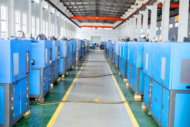Factors affecting bottle blowing machine manufacturing